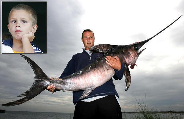 Marks Watsons tur rokas... Autors: bizonis1 Lielas zivis = Slavenības