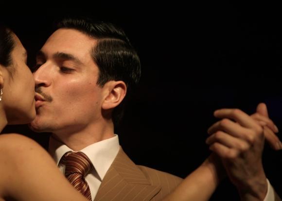 Pāris dejo tango čempionātā... Autors: vitux Skūpstu kolekcija
