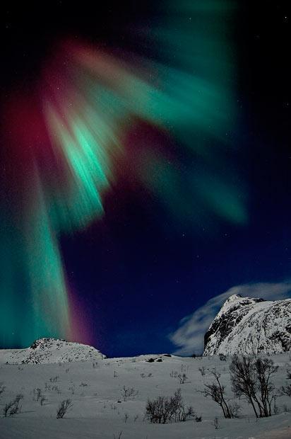 Dažreiz  ziemļblāzmas var... Autors: KingOfTheSpokiLand Ziemeļblāzma Norvēģijā!