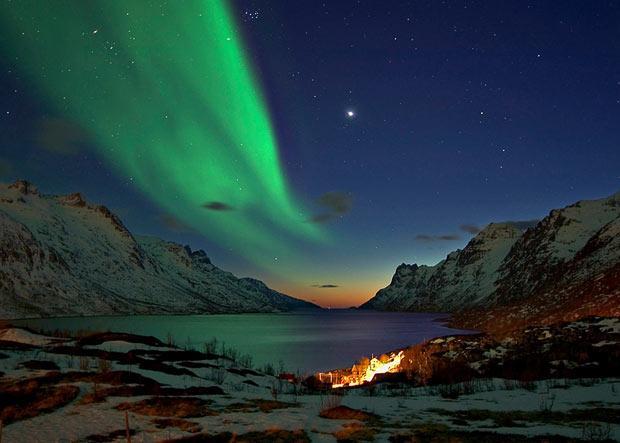 Foto uzņemts 2008 gada martā... Autors: KingOfTheSpokiLand Ziemeļblāzma Norvēģijā!