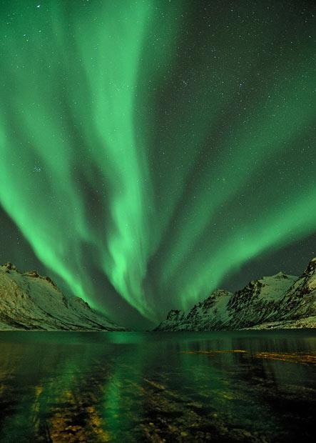 Uzņemta tajā pašā vakarā kad... Autors: KingOfTheSpokiLand Ziemeļblāzma Norvēģijā!