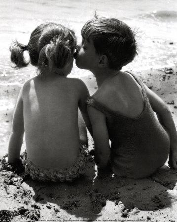 Autors: KingOfTheSpokiLand Ko tu zini par Skūpstīšanos?!
