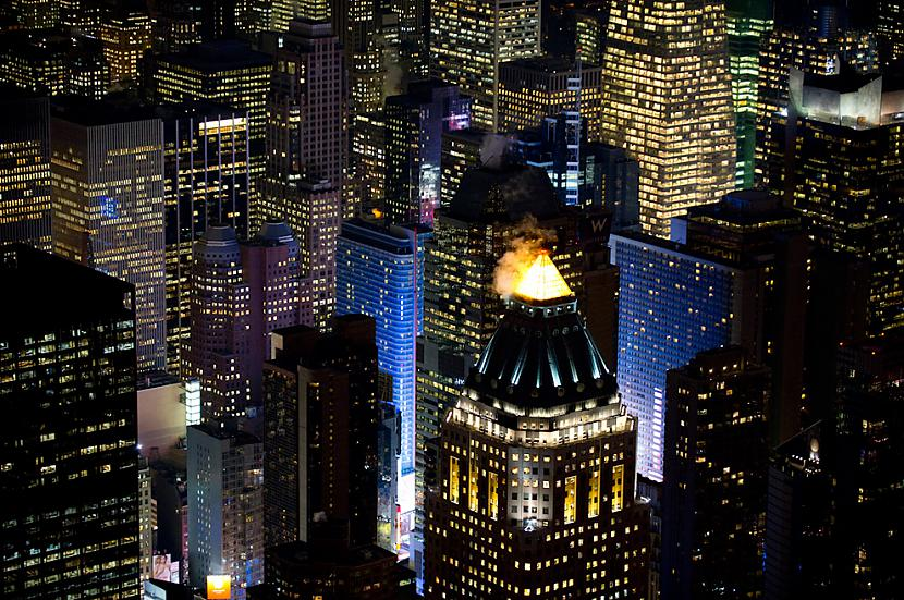 One Worldwide Plaza Eighth... Autors: Samaara NYC and Las Vegas from above, at night.