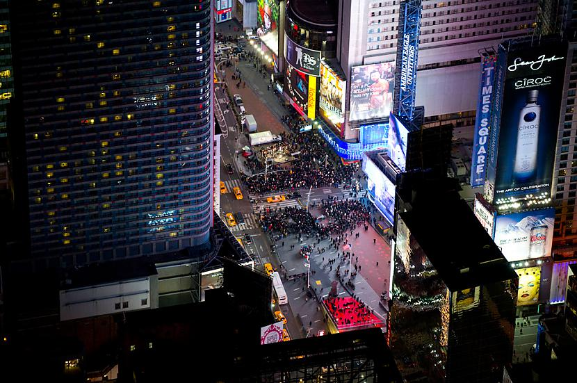 Looking down onto Times Square Autors: Samaara NYC and Las Vegas from above, at night.