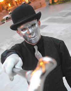 Misters Klusums patrulē... Autors: Fosilija Īstie supervaroņi