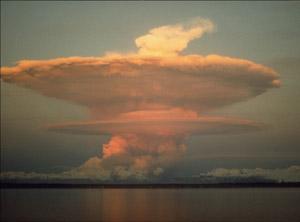 T 07 Redoubt vulkāna izvirdums... Autors: bryanlv Top 10 – Dabas katastrofas