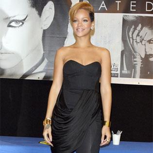 Rihanna loti skaistas balss... Autors: DrumGirl Stars