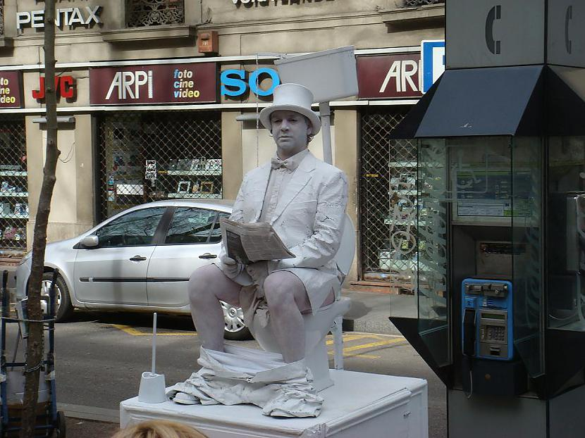 un arī dzīvs cilvēks Autors: Santaniņa Barselonas skasitums 28.03.2010