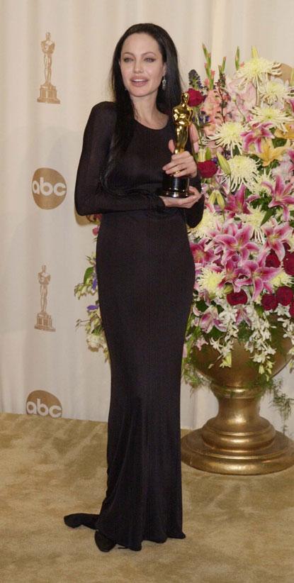 2000gadā Oskara balvu... Autors: UglyPrince Andželīnas Džoli stila evolūcija!