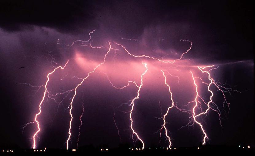 Zibens bultas garums var... Autors: Moonwalker Faktiņi par laikapstākļiem