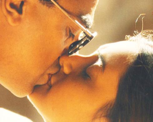 A girl kisses 2 guys  She039s... Autors: MEGRUBI valuable qoutes
