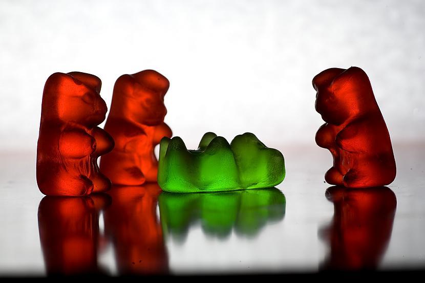 Bet ka tevi jupis klubā bija... Autors: korejiete2 Gummy Bear life