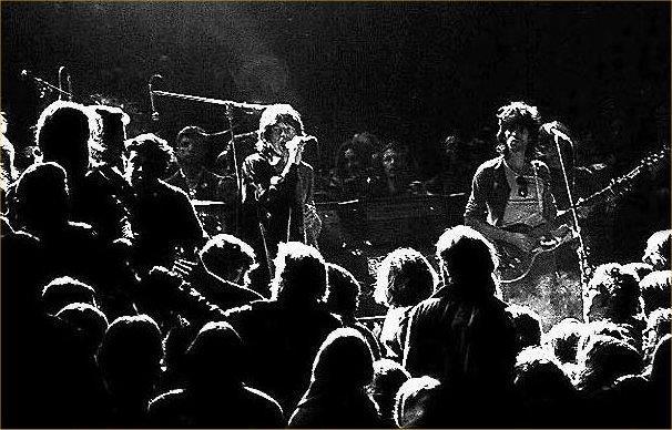 Starp citu naudas trūkuma dēļ... Autors: Čeirāne Rolling With The Stones