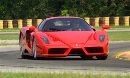 Ferrari EnzoTas attīsta 651zs... Autors: frankbullitt Rijīgie V12!!!