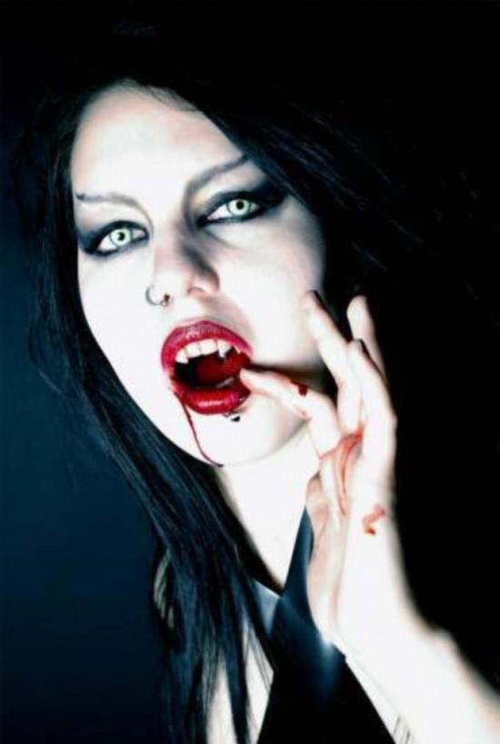 Autors: dzelksnis Female Vampires^^