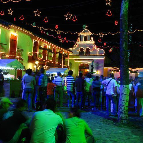 Kolumbijā  Paisas ciemā ir... Autors: tavs drafks Ziemassvētku sajūtas.