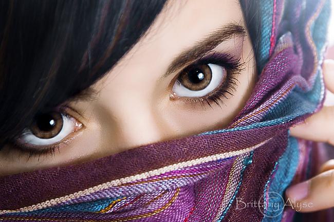 Brūna acu krāsa  šādi cilvēki... Autors: Merci Acu krāsa.