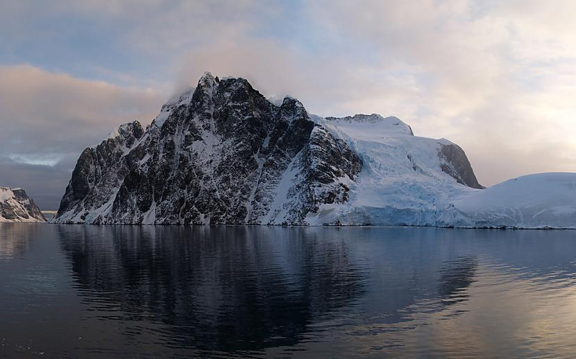 Par to ka Antarktīdā iespējams... Autors: AndOne Šokējoša teorija.