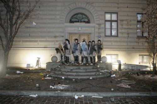 Autors: bbs1 Eksperts: Baltijā pieņemsies spēkā radikālisms un popul