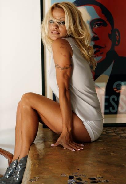 Bikini karaliene savus dotumus... Autors: nauruha Pasaules slavenākās blondīnes