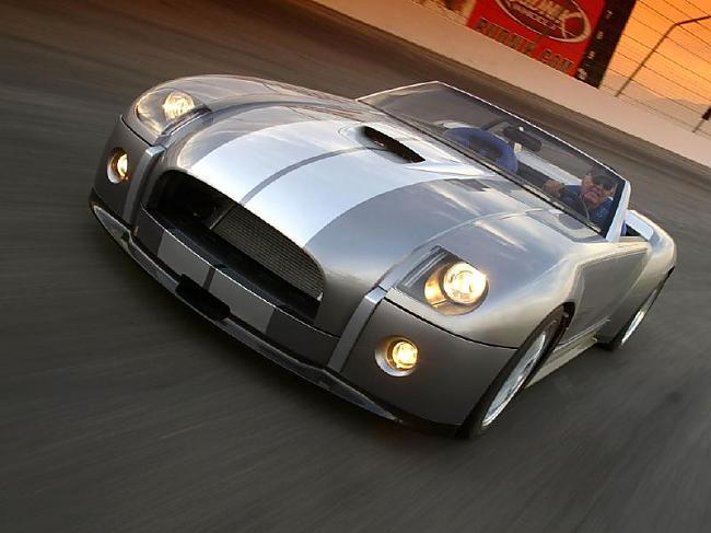CShelby in 2004 Shelby Cobra... Autors: vicemen1 Labāko ASV musiņautiņu ražotājs.