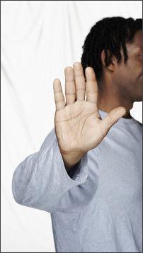 Uz āru izvērsta plauksta... Autors: ainiss13 7 nevainīgi žesti...