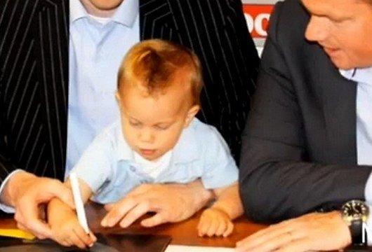 Autors: chainjjiks Futbola klubs noslēdz līgumu ar zīdaini!