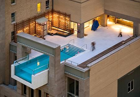 039039Drosmīgais... Autors: MJ 10 fascinējošākie pasaules peldbaseini!!