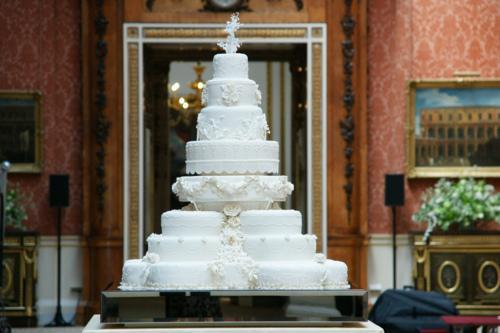 Protams šī arī bija kāzu torte... Autors: dakīijz Karaliskās kāzas. Vai tu to zināji?