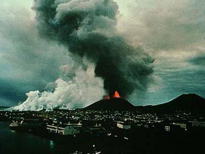 Izvirdums Indonēzijā par kuru... Autors: Ksen4a123 Vulkāna izvirdums Īslandē un notikumi pasaulē..