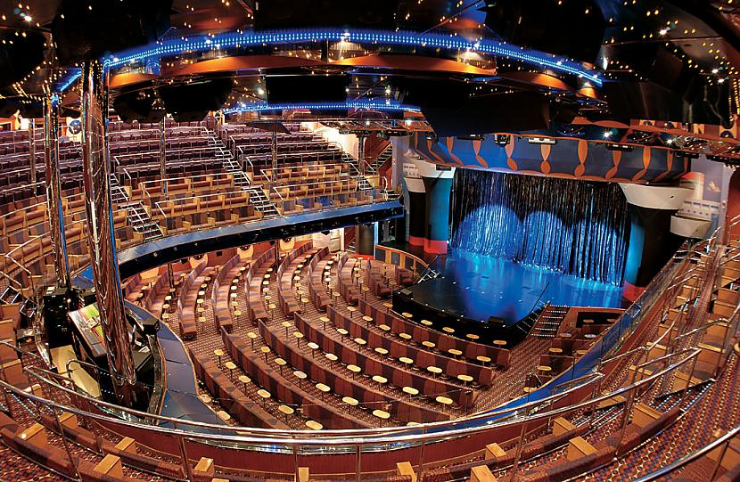Uz kuģa ir teātris trīs stāvos... Autors: ghost07 Lielākais prāmis Rīgas vēsturē ieradīsies jau rīt