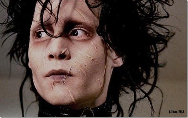 Rētas uz Džonija sejas filmā... Autors: knift 12 fakti par filmu ''Edvards šķērrocis'