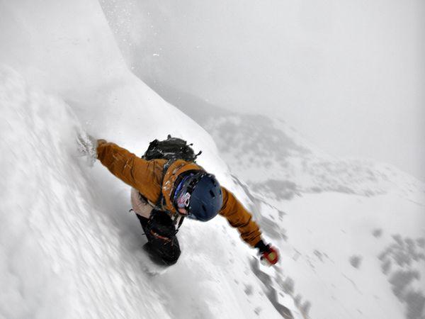 Kalnu slēpošana lejā pa... Autors: Reverss Ekstrēmākie sporta veidi pasaulē.