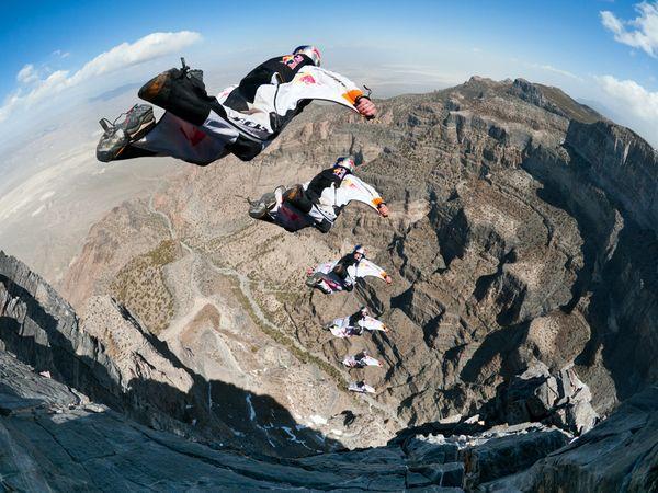 Brīvais lēciens lejā pa kalnu... Autors: Reverss Ekstrēmākie sporta veidi pasaulē.