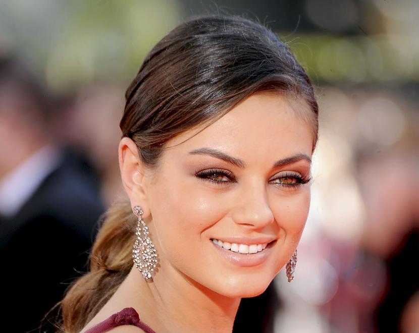 Mila Kunis 2 vieta Autors: hellokitty5 Top Beautiful woman(2011)