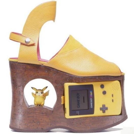 Pokemon Game Boy kurpes ... Autors: Mansters 10 nejēdzīgākie Pokemonu produkti