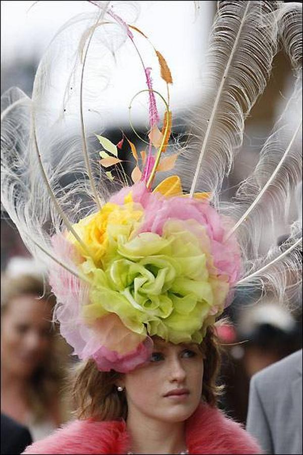 Autors: monta28 Vēlies tikt pamanīta? Uzvelc pareizo cepuri! :D