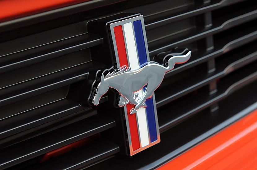 Viena no interesantākajām 2012... Autors: LauraBē Ford Mustang Boss 302
