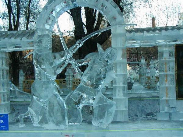 Autors: R1DZ1N1EKS Interesantas ledus skulptūras! :)