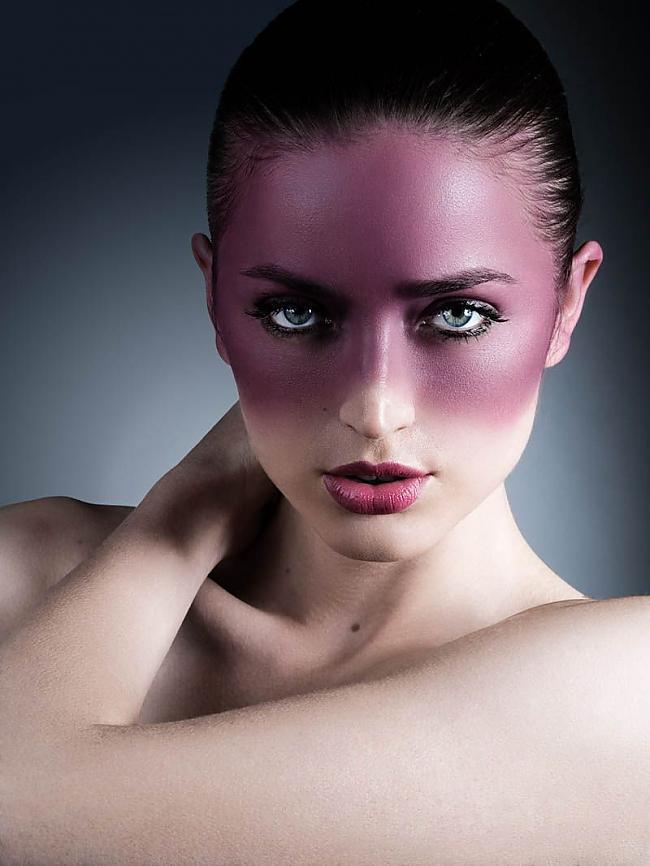 Autors: ltTBNgt Modeles ar un bez Photoshop