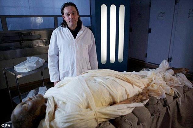 Autors: dafs132 Pirmo reizi 3000 gadu laikā tiek mumificēts cilvēks