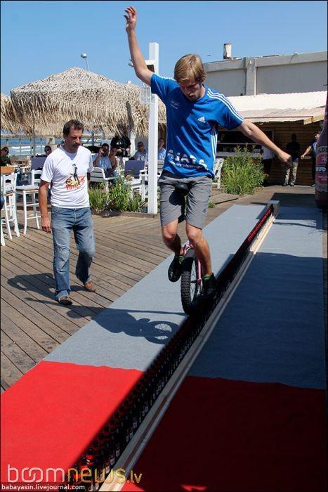Autors: Fosilija Bijušais alkoholiķis uzstādījis Ginesa pasaules rekordu!