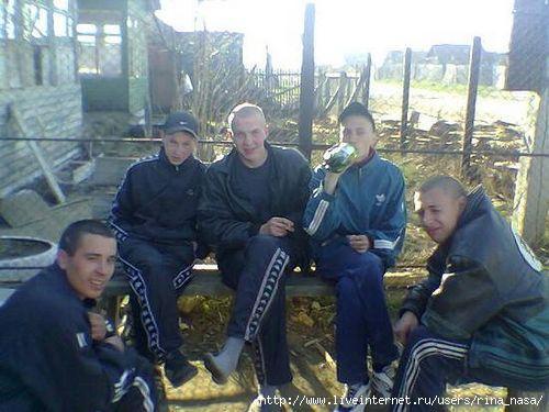 Satikām korišus un sākām dzert... Autors: Footballtime Kā mēs dzīvojam Daugavpilīi