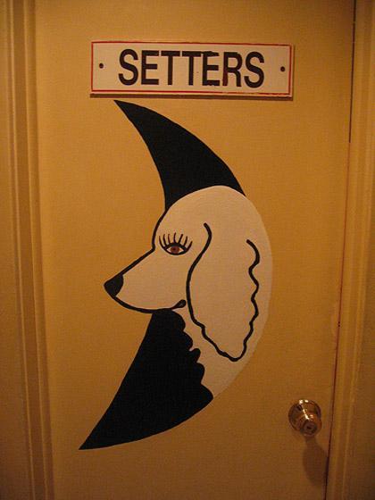 Autors: Rakstniecīte Nu.....tie jau tikai      tualešu apzīmējumi......