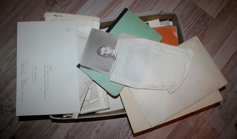 izšķirstot kastes saturu radās... Autors: fejapl apslēptie dārgumi.