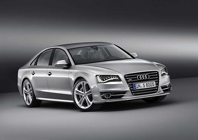 2012 Audi S8 Autors: Plakanais Future cars