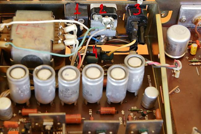 1 Vecais štekeris tika atstāts... Autors: BLACK ALIGATOR Radiotehnika УП-001 upgrade...