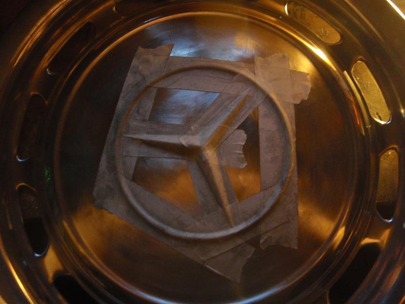 Gatavoju krāsošanai aplīmēju... Autors: Krizix W123 Dekoratīvo disku krāsošana