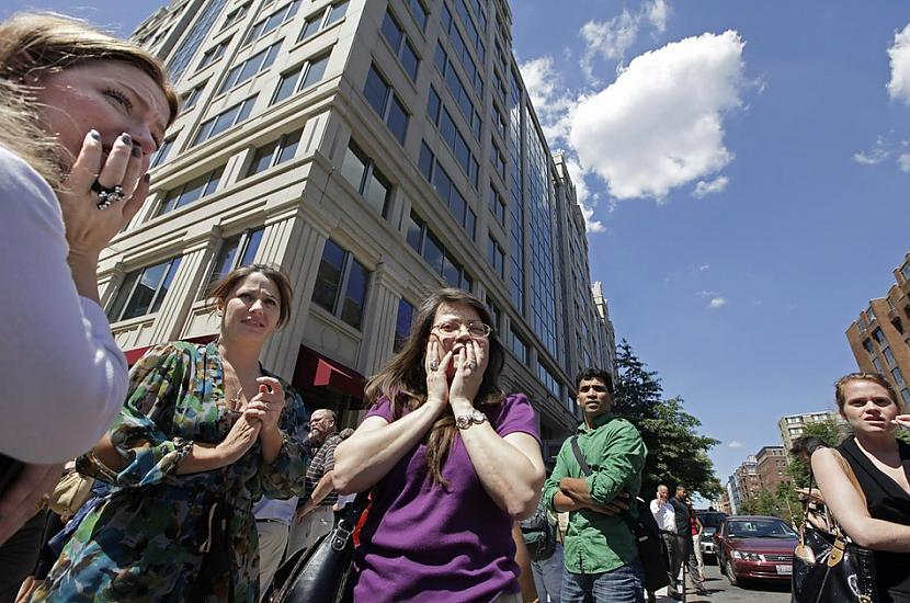 Biroja darbinieki... Autors: cuchins Aizvadītā 2011 spēcīgākās bildes!