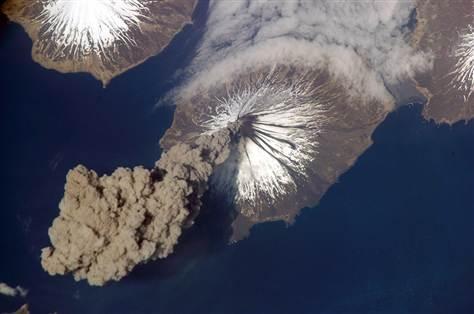 Cleveland vulkāns Aleutu salās Autors: aģents 007 Attēli no SKS (starptautiskās kosmosa stacijas)